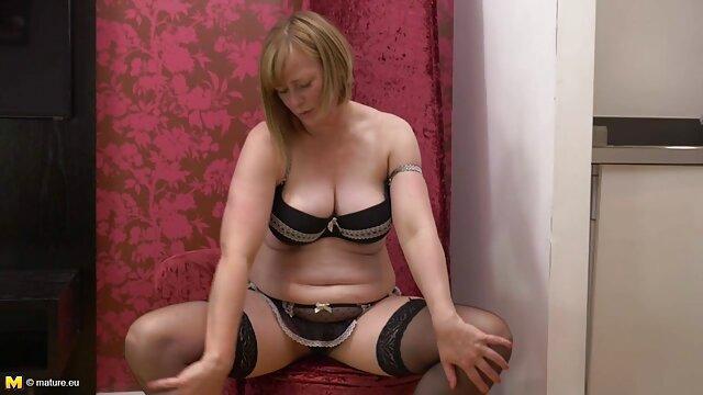 巨乳プロの美しさターミネーターカップル株式剛性と強いコックのためにお尻を開く予定 アダルト 動画 女性 用