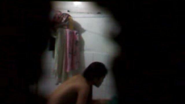 かわいい女の子sマッサージ滑りの前に長い水ギセルと熱い性別への映画 女性 の ため の 無料 エロ 動画