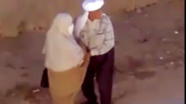 幸運なコックを提供するカップルのための友人と成熟した女性 女の子 の ため の 無料 エロ 動画