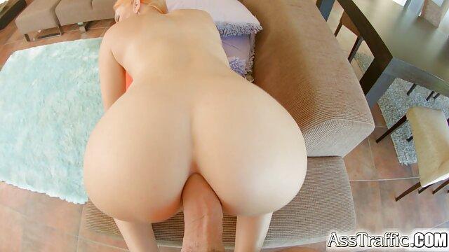 巨乳ブロンドは、胸の真ん中でそれらを引き裂く、男性のディックを吸う 女性 用 エロ マンガ 無料