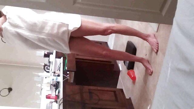 ソファの上に猫をクソした後、切望された犬のツバメビーズ叔父 女性 向け の エロ 動画