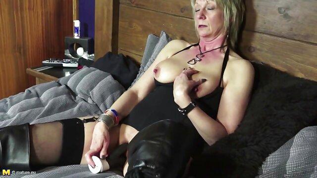 官能的な犬は彼女のお尻を潤滑するために彼女のガールフレンドにパンストを引き裂いた、彼女は肛門潤滑剤と猫で美しい、小さなおっぱいで薄い重さ。 女の子 の ため の アダルト 無料 動画