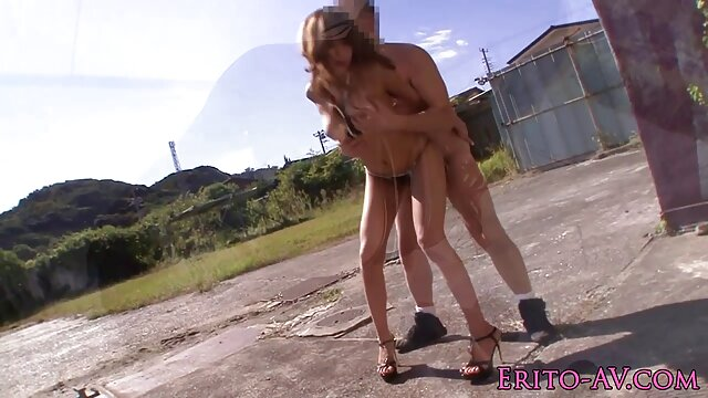 Kendra Lustは、彼女の若さを覚えて、忘れられない喜びを追体験するために肛門のシーンに戻ることに決めました。 エロ 動画 女 用