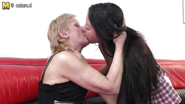 若い女の子とランジェリーは彼女の輝く 女性 の ため の 無料 エロ 動画