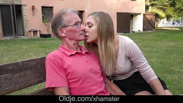 男は最初の人で彼の妹を分析する耳を持っています。 女性 専用 アダルト 動画