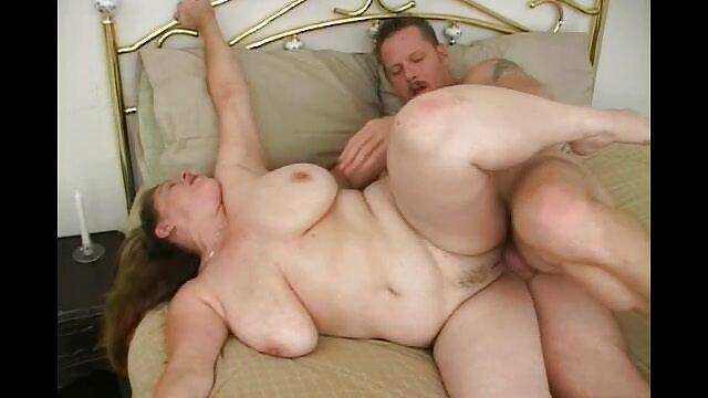 大きなおっぱいを持つひよこは、l.週末の朝に彼女に触れる イケメン 無料 アダルト
