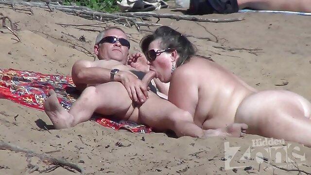 金髪キューバの美開く大きなお尻大きなコックDPバケット、ビッグディルド。 女性 用 アダルト ビデオ 動画