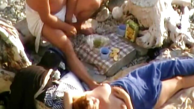 セックスと甘い肛門性とラテンの女の子、巻き毛、ペアの女の子のストレッチの猫が必要な大きな男のコックの深い 女性 の ため の アダルト 動画
