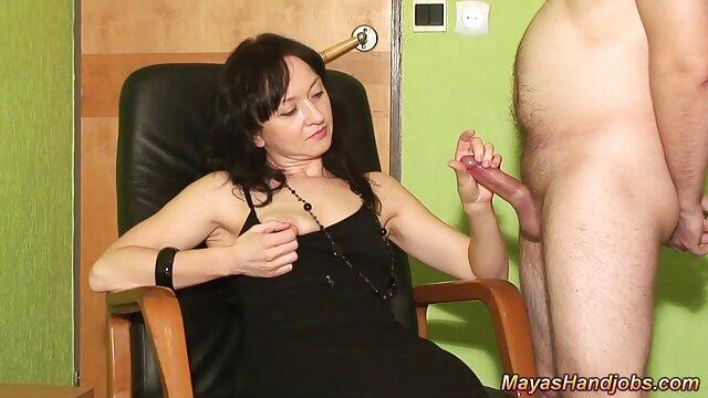 彼女の濡れたビキニは男を誘惑する 女性 の ため の アダルト 無料